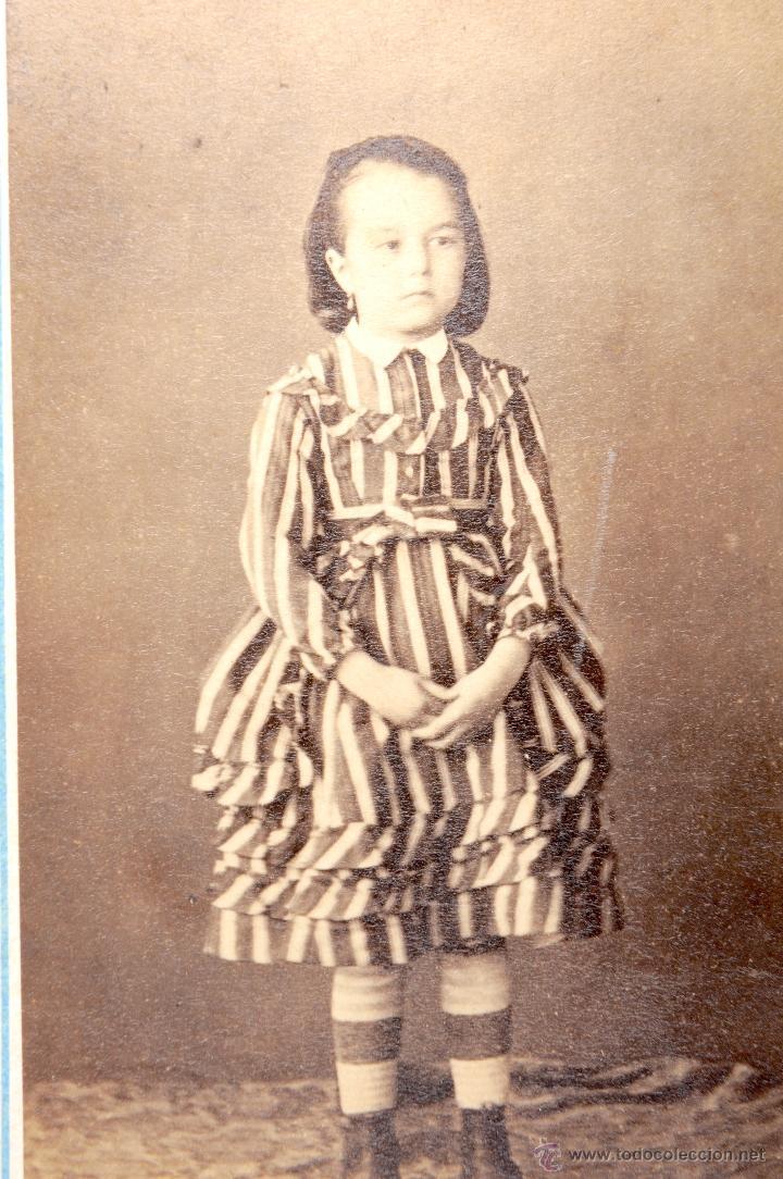 Fotografía antigua: ANTIGUA FOTOGRAFIA CARTA DE VISITA NIÑA - Foto 2 - 53728019