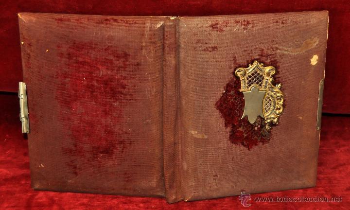 Fotografía antigua: PAREJA DE ALBUMS PORTAFOTOS MODERNISTAS CON DECORACIONES DE LA EPOCA. CIRCA 1910 - Foto 4 - 54425729