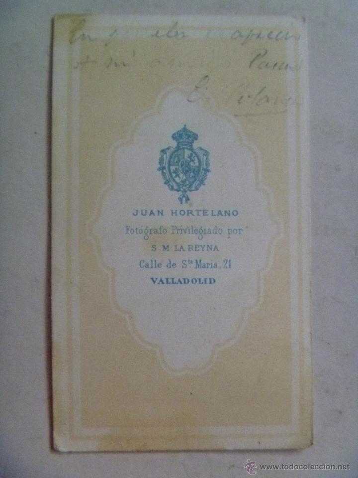 Fotografía antigua: CDV DE OFICIAL CABALLERIA DEL 3º DE HUSARES O CAZADORES , SIGLO XIX . HORTELANO, VALLADOLID - Foto 2 - 54539722