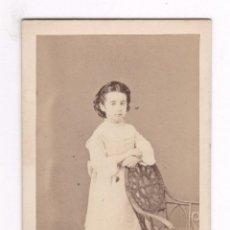Fotografía antigua: RETRATO CDV DE UNA NIÑA, FOTO MOLINÉ Y ALBAREDA, BARCELONA. Lote 56095055