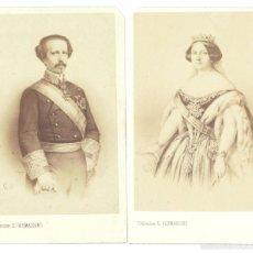 Fotografía antigua: REINA ISABEL II ESPAÑA Y REY CONSORTE FRANCISCO DE ASIS DE BORBON. FOT. E. DESMAISONS CDV. Lote 56944168