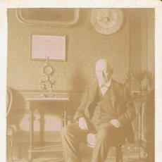 Fotografía antigua: FOTO CARTA DE VISITA. CABALLERO EN SALON. 1901.DEDICADA A MONTSERRAT TORRAS.PROCEDENCIA: BARCELONA.. Lote 57073277