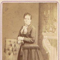 Fotografía antigua: FOTO CARTA DE VISITA. RETRATO DE SEÑORA. CA.1865-1870. FOTÓGRAFO: MR.HOSTENC. BARCELONA.. Lote 57271655