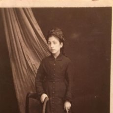 Fotografía antigua: CARTE DE VISITE JOVEN MUCHACHA LUTO SOMBRILLA NO FOT MITAD S XIX. Lote 64995543
