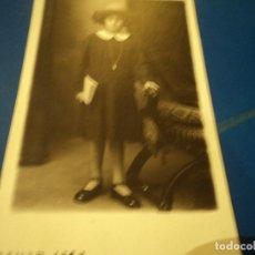 Fotografía antigua: CARTA DE PRESENTACION FOTOGRAFO AMADEO BARCELONA PERFECTO ESTADO 14 X 8 CM CARTON DURO. Lote 66169010