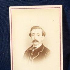 Fotografía antigua: CABALLERO BIGOTE RETRATO POSANDO FOT FILLON HENRIQUE NUNES PORTUGAL LISBOA. Lote 66318590