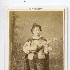 Fotografía antigua: M. PESCHARD, LA TIMBALE D´ARGENT, THÉÂTRE DU BOUFFES PARISIENNES, PARIS C 872 H. VAUVRAY PHOT. Lote 66591258