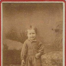 Fotografía antigua: FOTO C.V. NIÑA DE PIE SONRIENDO. CA. 1870-1875. FOTOGRAFO: RAFAEL AREÑAS. BARCELONA.. Lote 67472225
