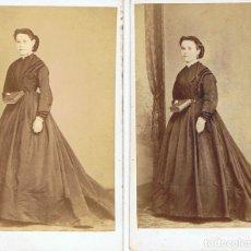 Fotografía antigua: C.V. DOS RETRATOS DE DAMAS EN IDÉNTICA POSE. CA. 1870-1875. FOT: JOAQUIN MASAGUER. GERONA.. Lote 67479677