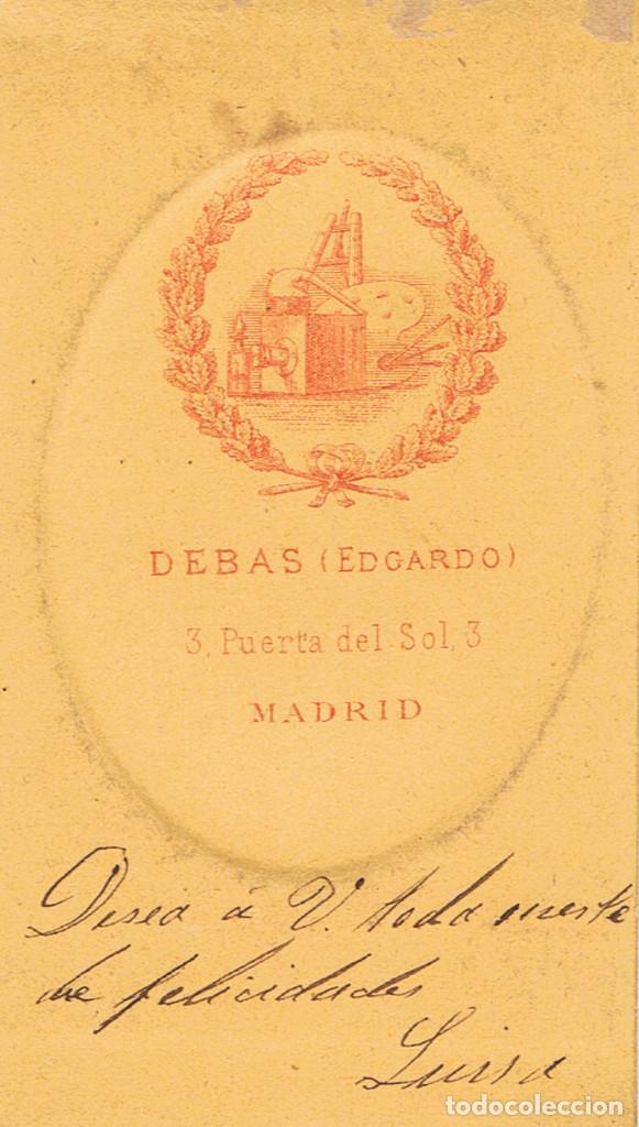 Fotografía antigua: FOTO C.V. RETRATO DE DAMA EN ORLA. CON BELLA DEDICATORIA. CA.1879-1882. FOT.: EDGARDO DEBAS. MADRID. - Foto 2 - 68405753