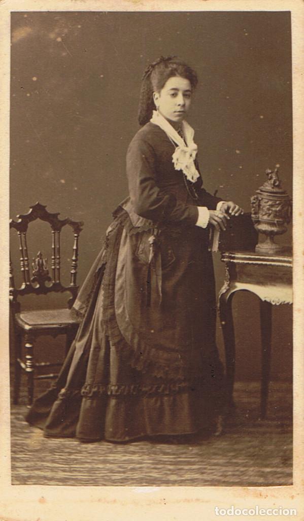 Fotografía antigua: DOS C.V. RETRATOS DE DAMAS DE NEGRO POSANDO. CA.1880-1885. FOT.:A.F. DIT NAPOLEON.BARCELONA. - Foto 3 - 71985379