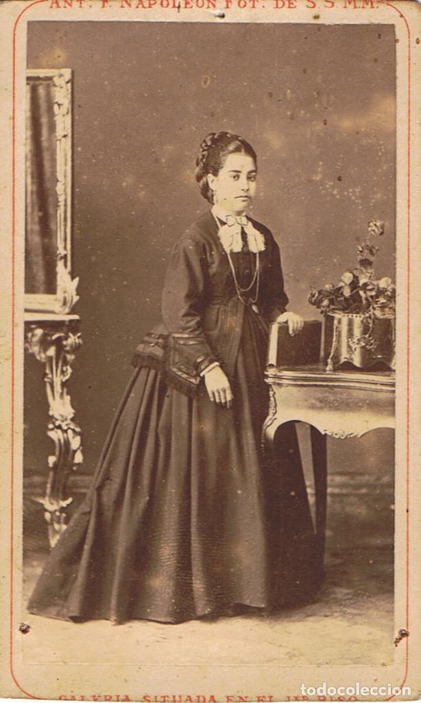 Fotografía antigua: DOS C.V. RETRATOS DE DAMAS DE NEGRO POSANDO. CA.1880-1885. FOT.:A.F. DIT NAPOLEON.BARCELONA. - Foto 4 - 71985379