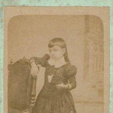 Fotografía antigua: C.V. EMILIA CANET CON LIBRO ABIERTO APOYADA EN SILLA. CA.1880-1885. FOT. P. CORANTY. BARCELONA.. Lote 81797172