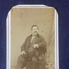 Fotografía antigua: CARTE DE VISITE CDV CABALLERO BIGOTE LEONTINA PURO SOCIEDAD FRANCO HISPANO AMERICANO BARCELONA SXIX. Lote 90708615