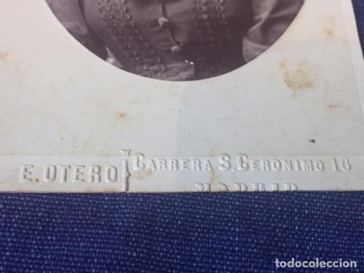 Fotografía antigua: Carte de visite CDV Señora Sociedad Recogido Pendientes pañuelo cruz E Otero Madrid final XIX - Foto 3 - 90713755
