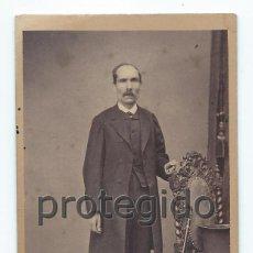 Fotografía antigua: RETRATO. CABALLERO. SIGLO XIX. J. VASSEROT. FOTÓGRAFO DE PARIS.. Lote 92062210