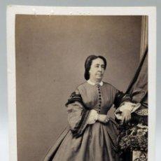 Fotografía antigua: CARTE VISITE FOTOGRAFÍA DAMA MODA ÉPOCA CONDE DE VERNAY PRECIADOS MADRID HACIA 1865 S XIX. Lote 93360300
