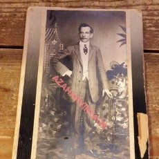 Fotografía antigua: FORMOSA, ESPECTACULAR CDV DE UN CABALLERO, FOTOGRAFIA SIRIA ASSAD JUNIS, 115X180MM. Lote 96586143