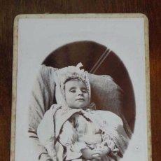 Fotografía antigua: CARTE DE VISITE, CDV, POSTMORTEM, FOTOGRAFIA DE JULES DE LAPASSAL, LIVRON, MIDE 10,5 X 6,5 CMS.. Lote 103289899