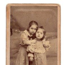 Fotografía antigua: CARTE VISITE - RETRATO NIÑAS - FOTOGRAFO XAVIER Y CORREA - LISBOA. Lote 105121767