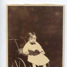 Fotografía antigua: RETRATO DE NIÑO CON CARRITO. RAFAEL ROCAFULL, CÁDIZ, CIRCA 1870. Lote 222192218