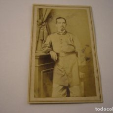 Fotografía antigua: ANTIGUA FOTO DE MILITAR . FOTOGRAFO MESTRE Y CIA . SIGLO XIX , 10 X 6 CM. . Lote 109534943