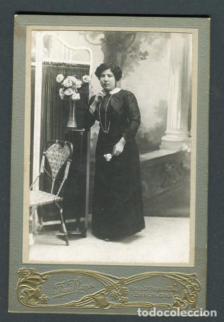 MODERNISMO. RETRATO DE SEÑORA. F: J. ALONSO. BCN. C.1900 (Fotografía Antigua - Cartes de Visite)