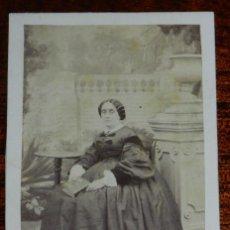 Fotografia antica: FOTOGRAFIA CDV DE DAMA , CARTE DE VISITE, FOTOGRAFIA DE MOLINE Y ALBAREDA DE BARCELONA, 1860 APROXIM. Lote 120511611