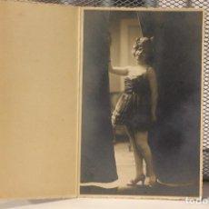 Fotografía antigua: *CHICA JOVEN POSANDO* 1921. ALFONSO. FUENCARRAL. MADRID. 14,5 X 9,5. INFO Y 4 FOTOS.. Lote 128482579