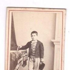 Fotografía antigua: RETRATO CDV DE NIÑO, FOTO JULIO VIRENQUE, PALMA DE MALLORCA.. Lote 132708242