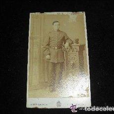 Fotografía antigua - CDV DE MILITAR DE INFANTERIA CON LEOPOLDINA Y BAYONETA DE TUBO, SIGLO XIX . DE ANTº GARCIA, VALENCIA - 134684718