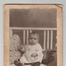 Fotografía antigua: ANTIGUA FOTOGRAFÍA, CDV, CARTA DE VISITA, IBAÑEZ, GANDIA, VALENCIA, NIÑO, BEBÉ. Lote 135729655