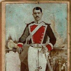 Fotografía antigua: RARA C.V. RETRATO DE MILITAR . RETOCADA EN COLORES. CA.1879-1885. FOT.: FAUSTINO MUÑOZ. MADRID.. Lote 136258878