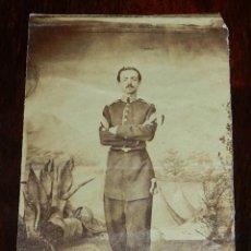 Fotografía antigua: FOTOGRAFIA ALBUMINA DE OFICIAL DEL ESTADO MAYOR, EPOCA REY ALFONSO XII, NO PONE FOTOGRAFO. MIDE 11 . Lote 137541334