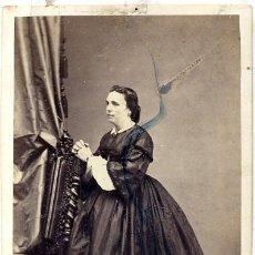 Fotografía antigua: FOTO M.HOSTENC - BARCELONA RETRATO SEÑORA C.D.V. CON REVERSO. Lote 137832878