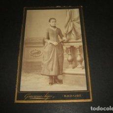 Fotografía antigua: BADAJOZ RETRATO DE NIÑA CON ABANICO CARTE DE VISITE GARRORENA E HIJOS FOTOGRAFO HACIA 1890. Lote 139344142