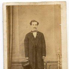 Fotografía antigua: CABALLERO CON SOMBRERO DE COPA, DEDICATORIA 4/JUNIO/1862, SIN INDICACIÓN DE FOTÓGRAFO. Lote 140621878