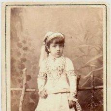 Fotografía antigua: DELICADA FOTO DE UNA NIÑA. HEBERT, MADRID, SIGLO XIX.. Lote 140739642