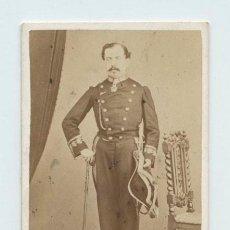 Fotografía antigua: RETRATO CDV DE MILITAR, FOTO: EYRÉ Y VÁZQUEZ, GUADALAJARA. . Lote 140809578