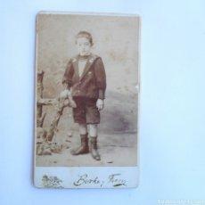 Fotografía antigua - CARTE DE VISITE NIÑO DE PRIMERA COMUNION 1880 FOTÓGRAFOS BORKE Y FERRYZ MADRID - 143069828
