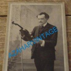 Fotografía antigua: BAYONA, SIGLO XIX, RARA CDV DE UN VIOLINISTA, DEDICADA, 108X165MM. Lote 174205787