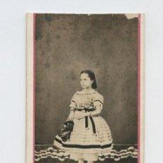 Fotografía antigua: RETRAOT CDV DE NIÑA, AÑO 1860. APUNTE REVERSO. Lote 147786770