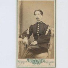 Fotografía antigua: RETRATO DE MILITAR, FOTO: M. FERNÁNDEZ, GRANADA. CDV. Lote 148042790