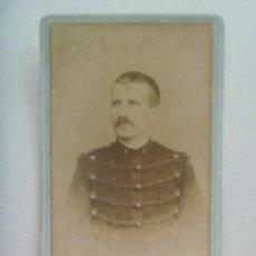 Fotografía antigua - CDV DE UN MILITAR DE FRANCIA CON CASACA DE ALAMARES, ETC , SIGLO XIX . DE VASSOGNE, CHARLEVILLE - 150295678