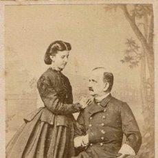 Fotografía antigua: C.V. RETRATO DE PAREJA DE ENAMORADOS.ESCRITA. CA.1870. FOT.: L.SELLIER Y AVRILLON. FERROL. O CORUÑA.. Lote 151594354