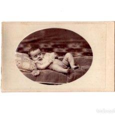 Fotografía antigua: CARTES DE VISITE. ESTUDIO FOTOGRÁFICO. DESCONOCIDO BEBE. Lote 154869014