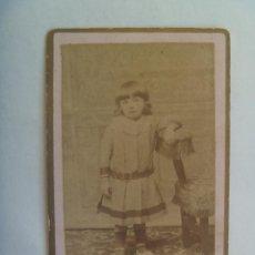 Fotografía antigua - CDV DE UNA NIÑA DEL SIGLO XIX. DE FOTOGRAFIA ARGENTINA, SANTANDER - 155947246