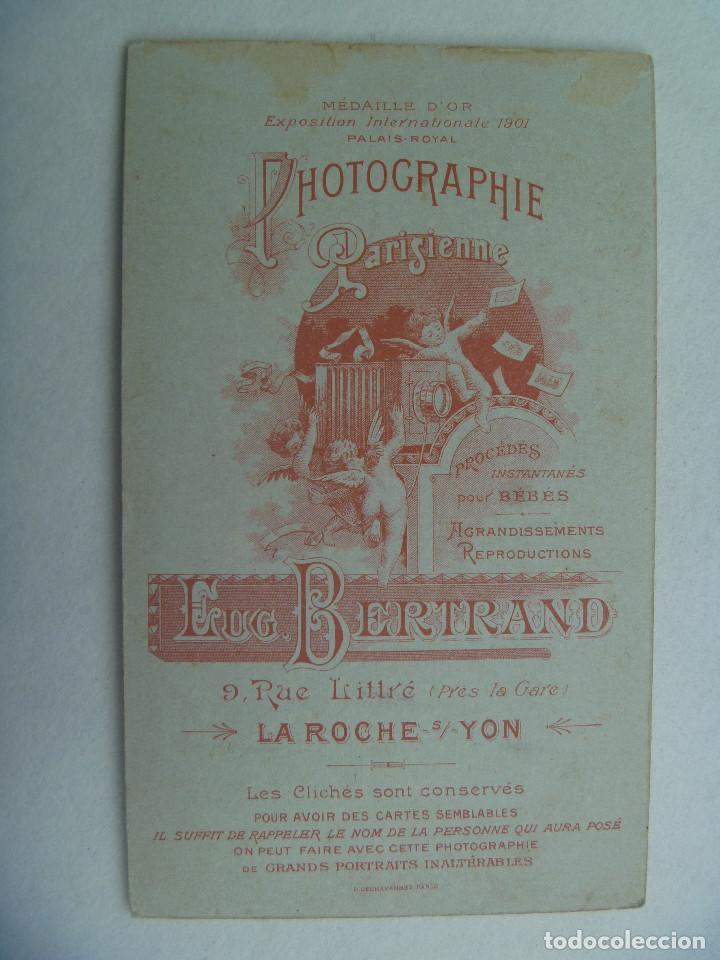 Fotografía antigua: CDV DE UN MILITAR DE FRANCIA CON CHARRETERAS, ETC , SIGLO XIX . DE E. BERTRAND, LA ROCHE - Foto 2 - 159171786