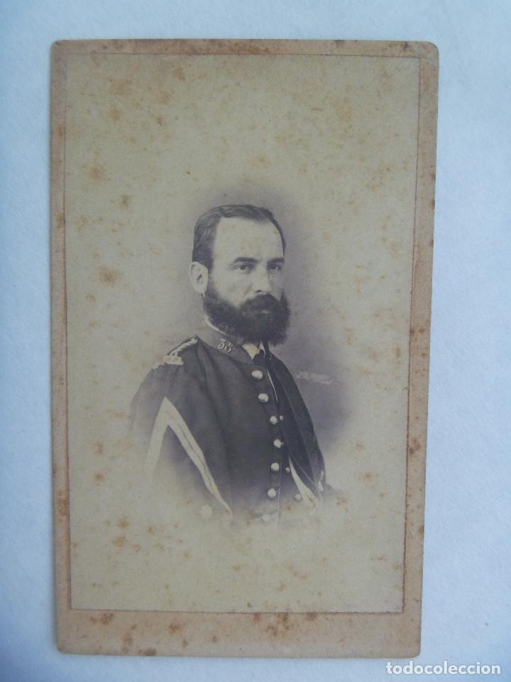 CDV DE UN MILITAR DE INFANTERIA, 1870 , SIGLO XIX. DE FARVARO HERMANOS , VALENCIA (Fotografía Antigua - Cartes de Visite)