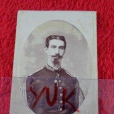 Fotografía antigua: RETRATO DE SOLDADO O MILITAR- MANUEL GOMEZ VIDAL - FOTO E. OTERO - MADRID - 1860'S - CDV . Lote 163194162